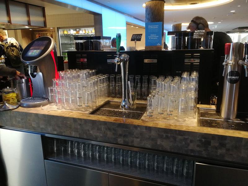 AMS KLMCrown Heineken - AMS | Novo KLM Crown Lounge Non-Schengen no Aeroporto Schiphol de Amsterdam