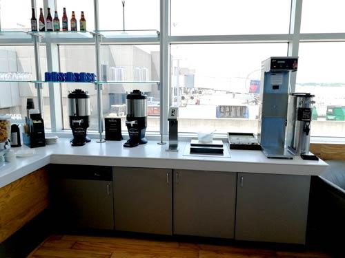CLE Airspace Bebidas - CLE   Airspace Lounge no Aeroporto Cleveland Hopkins Internacional