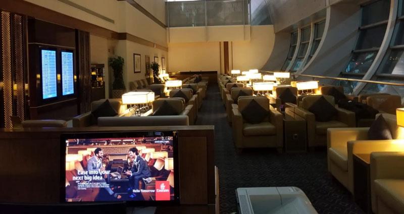 DXB EmiratesBusinessC 001 - DXB | Emirates Lounge no Aeroporto de Dubai (Guest)