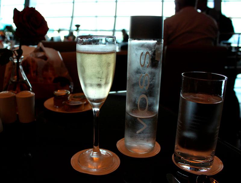 DXB EmiratesBusinessC 003 - DXB | Emirates Lounge no Aeroporto de Dubai (Guest)