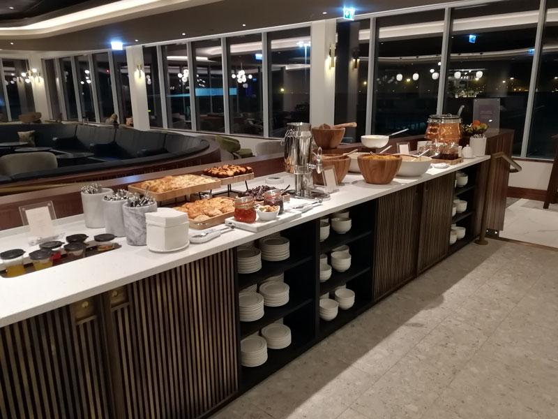 EDI no1lounge buffet - EDI | Novo No1 Lounge no Aeroporto de Edinburgh na Escócia