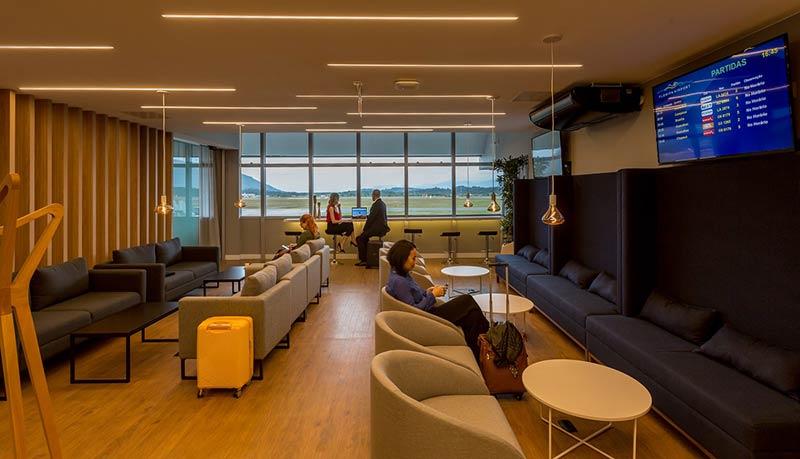FLN Lounge Panoramica Cris - FLN | Saiba tudo sobre o novo Floripa Airport Lounge