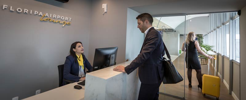 FLN Lounge Recepcao Cris - FLN | Saiba tudo sobre o novo Floripa Airport Lounge