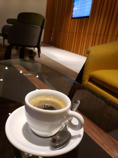 GIG PlazaINTL espresso - GIG | Plaza Premium Lounge Internacional no Aeroporto RIOGaleão