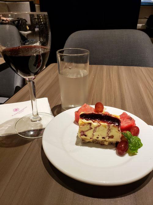 GIG PlazaINTL sobremesa - GIG | Plaza Premium Lounge Internacional no Aeroporto RIOGaleão