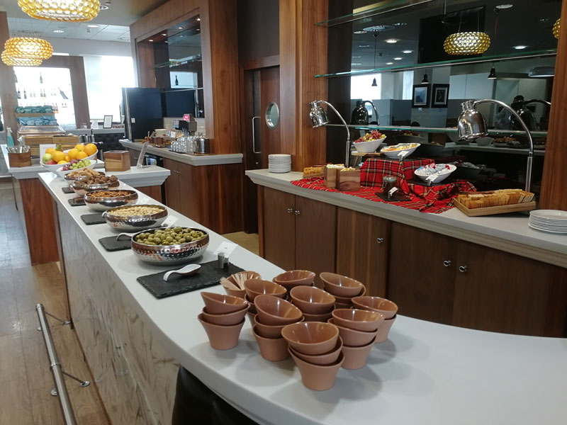GLA UpperDeck Buffet - GLA | Upper Deck Lounge no Glasgow International Airport