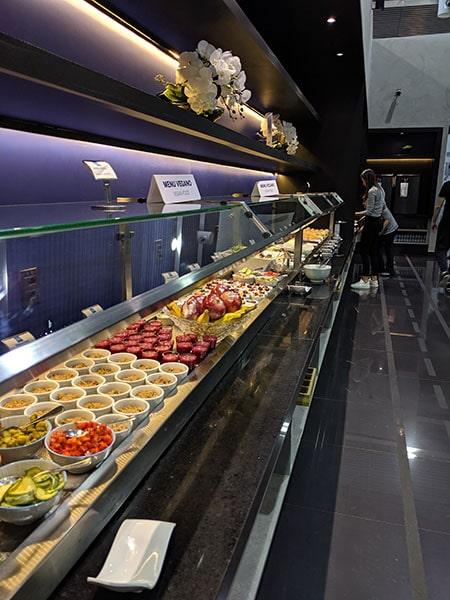 GRU amexlounge buffet2 - GRU | American Express Lounge no Aeroporto de Guarulhos