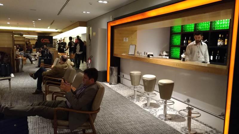 GRU GolPremiumIntl Bar - GRU | Gol Premium Lounge Terminal 2 Internacional em Guarulhos