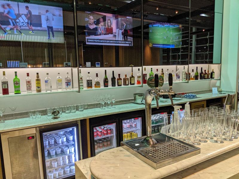 GRU Latam Bar - GRU | Latam VIP Lounge no Aeroporto de Guarulhos
