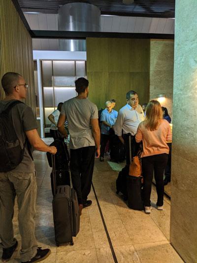 GRU Latam FilaEntrada - GRU | Latam VIP Lounge no Aeroporto de Guarulhos