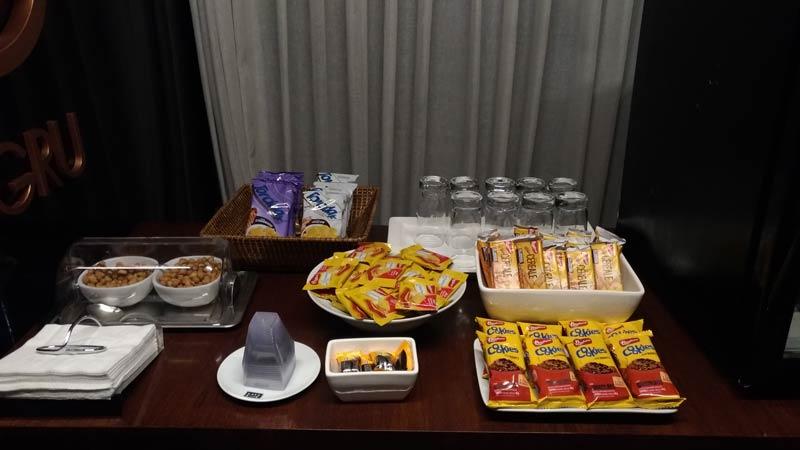 GRU VillaGRU snacks - GRU | Sala Villa GRU Aeroporto de Guarulhos em São Paulo