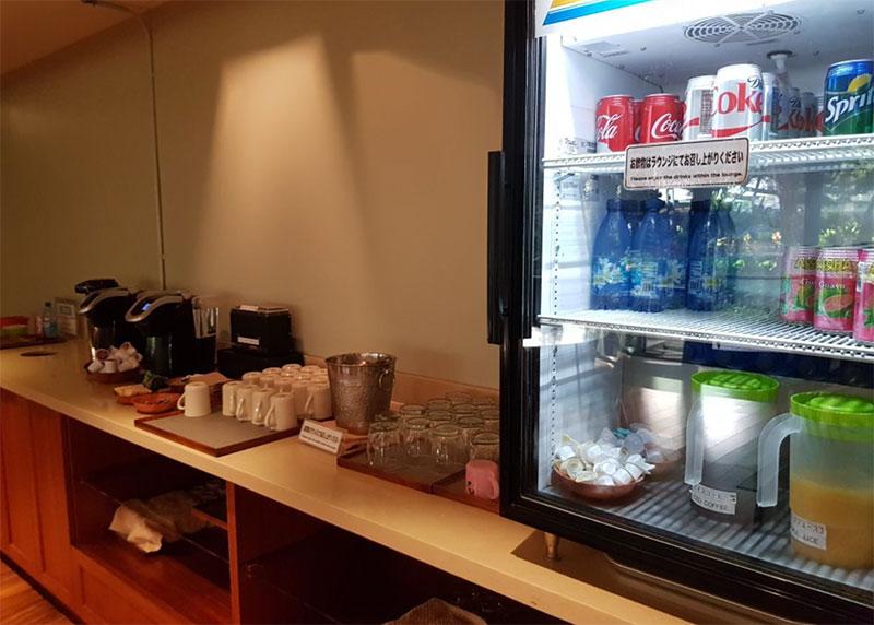HNL IASS bebidas - HNL   IASS Lounge Honolulu Airport