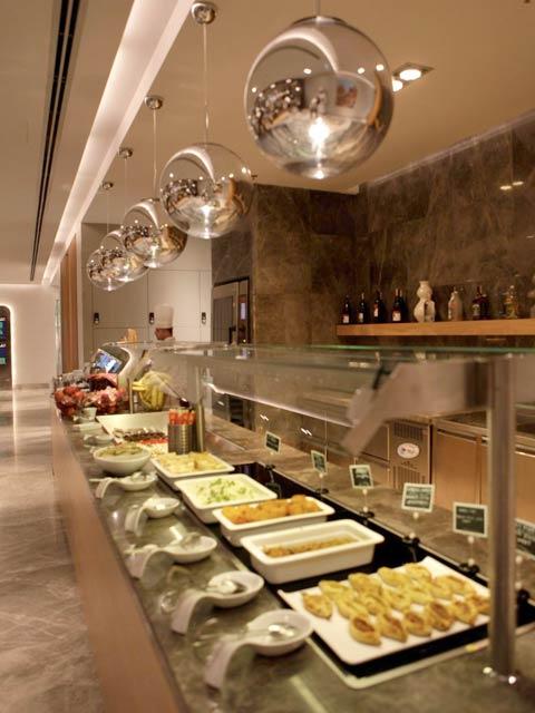 IST Primeclass Buffet - IST | Primeclass CIP Lounge no Aeroporto de Istambul na Turquia
