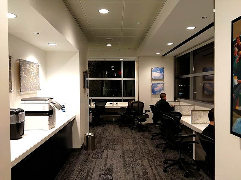 JFK DSCT4 BusinessCenter - JFK – [Atualizado] Delta Sky Club Terminal 4 Aeroporto JFK em Nova Iorque