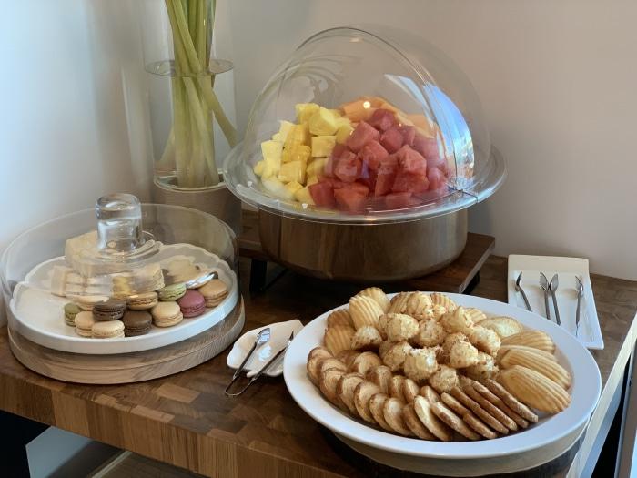 JFK PrimeClass snacks - JFK | PrimeClass Lounge poderá ser opção da Priority Pass para o Terminal 4 de Nova Iorque