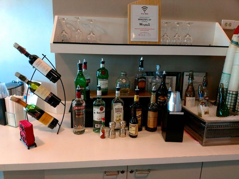 JFK Wingtips Bebidas MinhaSalaVIP - JFK – Wingtips Lounge Terminal 4 Nova Iorque