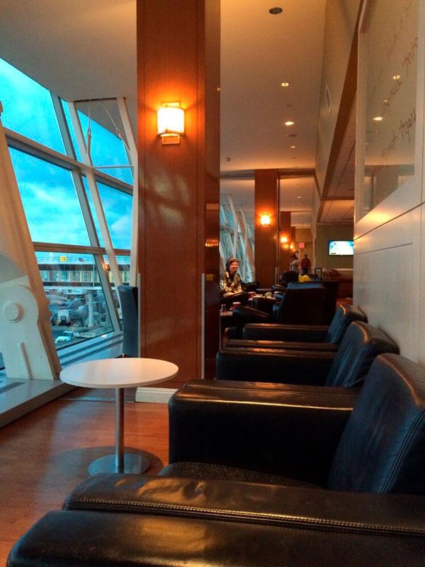 JFK Wingtips Vista MinhaSalaVIP - JFK – Wingtips Lounge Terminal 4 Nova Iorque