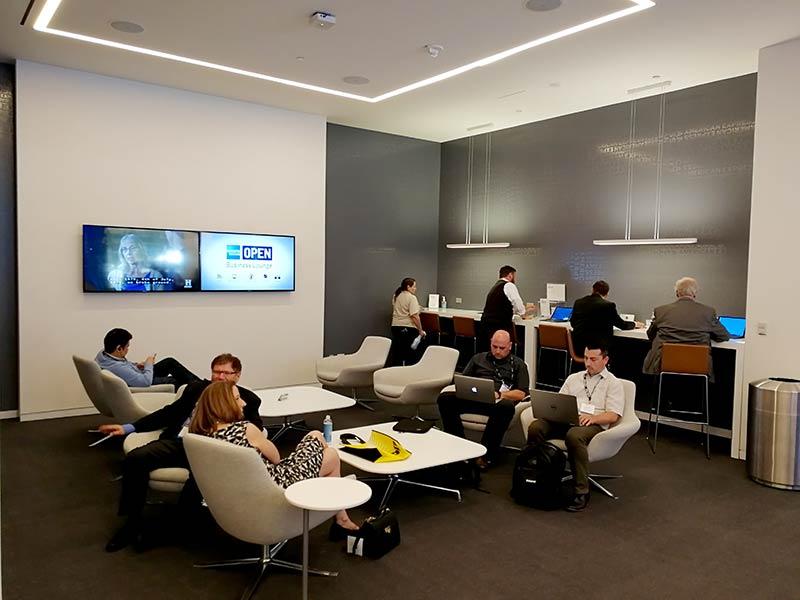 LAS LVCC Lounge - American Express Business Lounge Las Vegas Convention Center