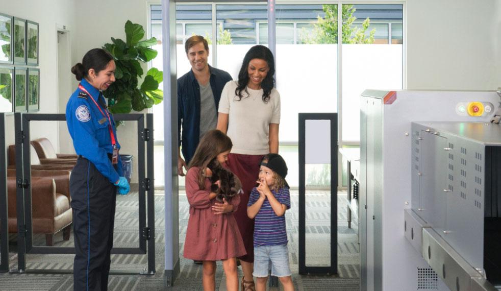 LAX VIPTerminal RaioX - LAX | Conheça o terminal exclusivo para milionários e celebridades no Aeroporto de Los Angeles