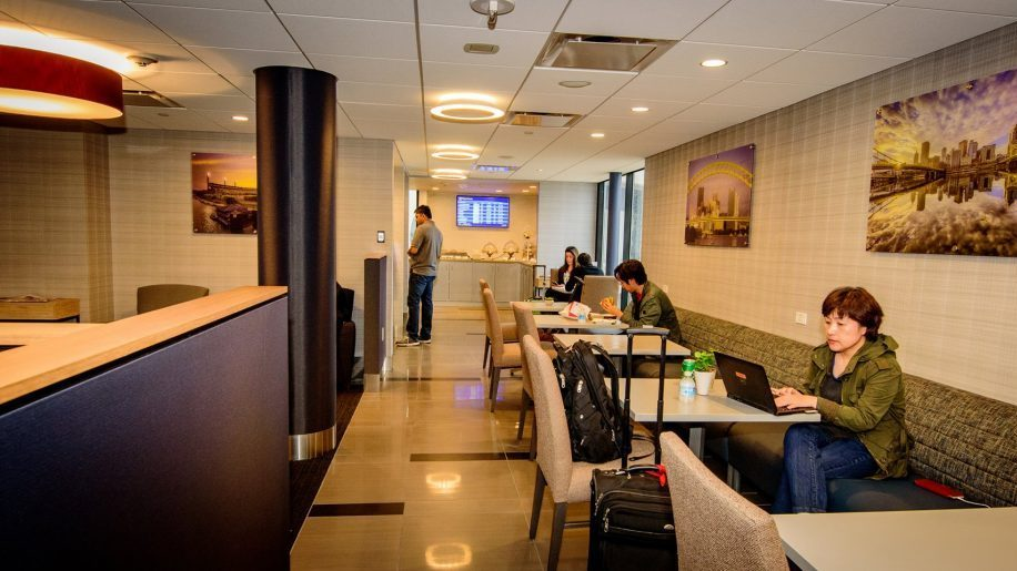 PIT TheClubLounge overview - PIT | The Club Lounge no Aeroporto de Pittsburgh