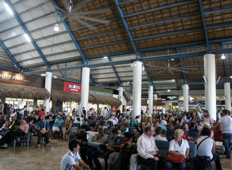 PUJ loungeVIP gates MinhaSalaVIP - PUJ | Aeroporto de Punta Cana inaugura piscina no VIP Lounge