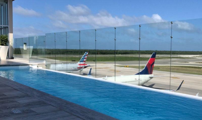 PUJ loungeVIP piscina2 MinhaSalaVIP - PUJ | Aeroporto de Punta Cana inaugura piscina no VIP Lounge