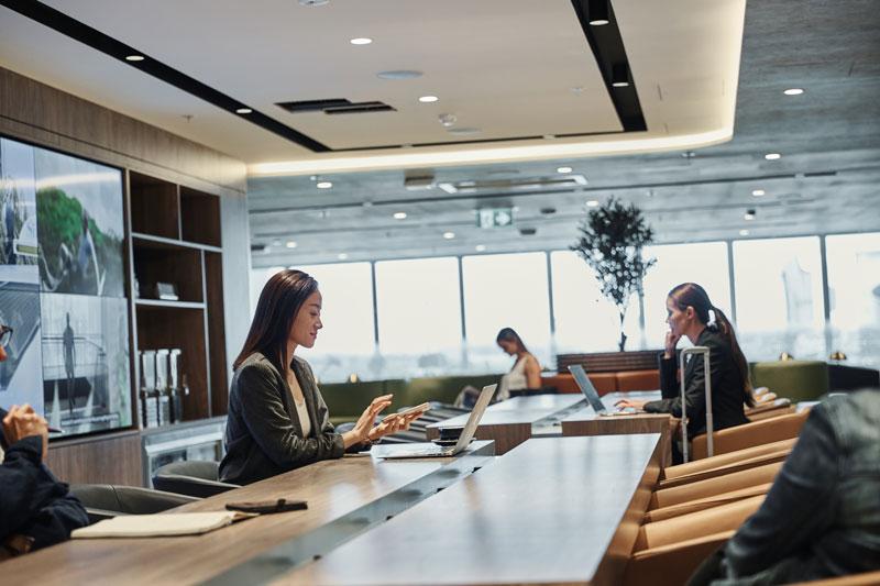 AMEX LOUNGE Deskspace - SDY | American Express inaugura novo lounge no Aeroporto de Sydney, na Austrália