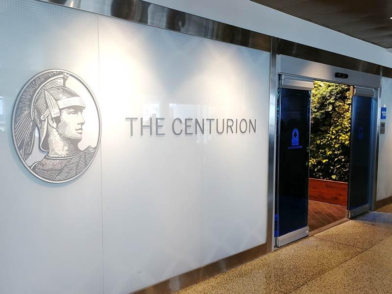 """SEA Centurion Entrada - NY Times: Cias Aéreas fazem """"guerra dos lounges"""" por passageiros premium"""