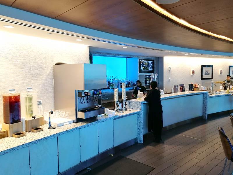 SEA DeltaSC A Bar - SEA | Delta Sky Club Terminal A no Seattle Tacoma Airport