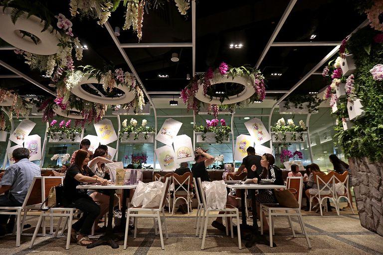 Singapore HelloKittyCafe MinhaSalaVIP - Lei do Silêncio | Melhor aeroporto do mundo desligou suas caixas de som no portão de embarque