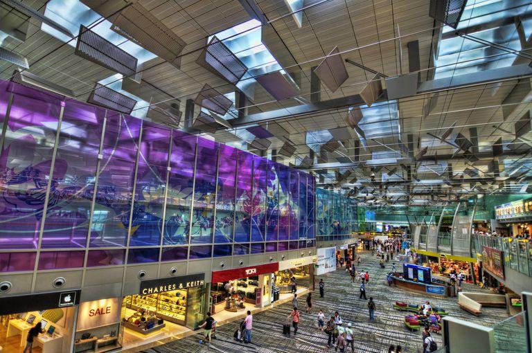 Singapore T3 MinhaSalaVIP - Lei do Silêncio | Melhor aeroporto do mundo desligou suas caixas de som no portão de embarque